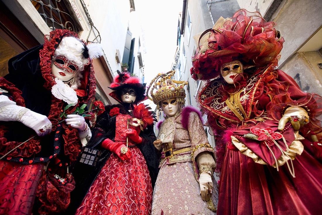 Стартував Венеційський карнавал. Свято у розпалі | City Life